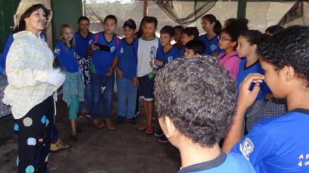 Alunos participam de gincana ecológica em projeto de produção de mudas da CHTP